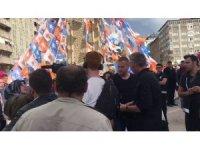 Erzurumlular ters soru soran yabancı gazetecilere tepki gösterdi