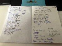 Sultanbeyli'de minik yazarlar ilk kitaplarını imzaladı