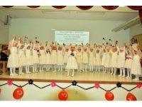 Tosya'da 4-6 yaş Kur'an kursu öğrencileri, mezuniyet coşkusu yaşadı