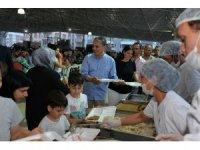 Muratpaş Kızıltoprak'ta iftar sofrası kurdu