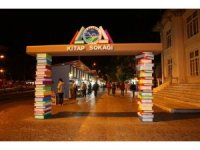 Ramazan Kitap Sokağı'nda imza günleri devam edecek