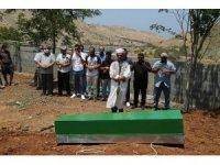 9 mültecinin cesedi KKTC'de toprağa verildi