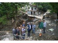 Başkan Dündar, sel mağdurlarının yanında