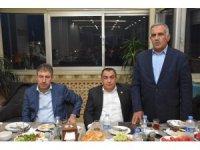 AK Parti heyeti basınla buluştu