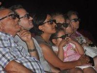 Tiyatrocu çiftten 3 boyutlu çocuk oyunu