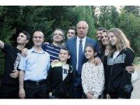 Cumhurbaşkanı adayı Muharrem İnce bayram namazını köyünde kıldı