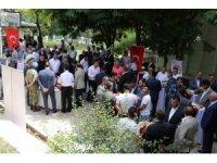 Siirt Valisi Atik vatandaşlarla bayramlaştı