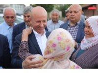 Başkan Çolakbayrakdar bayramda mahalleleri ziyaret etti