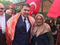 """Yörük Ana: """"Askerimiz Kandil'e Türk bayrağı dikerse bir kurban daha keseceğim"""""""