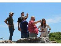 Antalya Tanıtım vakfı, Perge'deki kazı çalışmalarını inceledi