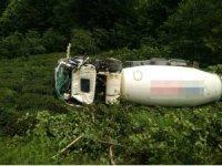Beton mikseri çay bahçesine devrildi: 1 ölü