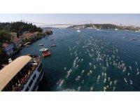 Türkiye iki kıta arasında yüzmek için kulaç attı