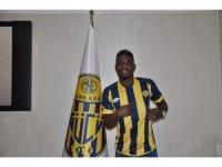 Bifouma'dan Ankaragücü'ne 3 yıllık imza