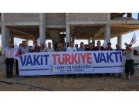 """Osmaniye'de inşaat işçileri """"Vakit Türkiye Vakti"""" dedi"""