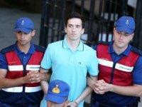 Yunan askerlerin tutukluluğu sürecek