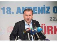 Bakan Osman Aşkın Bak, milli sporcularla bir araya geldi