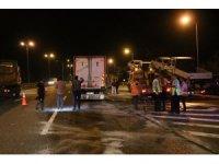 TEM'de iki kamyon çarpıştı: 1 yaralı