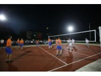Başkan Toçoğlu voleybol turnuvasına katıldı