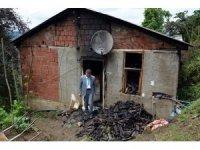 Başkan Kaya, yanan evde incelemelerde bulundu