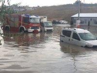 Başkent'te aniden bastıran yağış hayatı olumsuz etkiledi