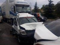 Uşak'ta zincirleme kaza; 6 yaralı