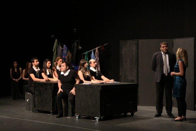 Maltepe Belediye Tiyatrosu Turneye Çıkıyor