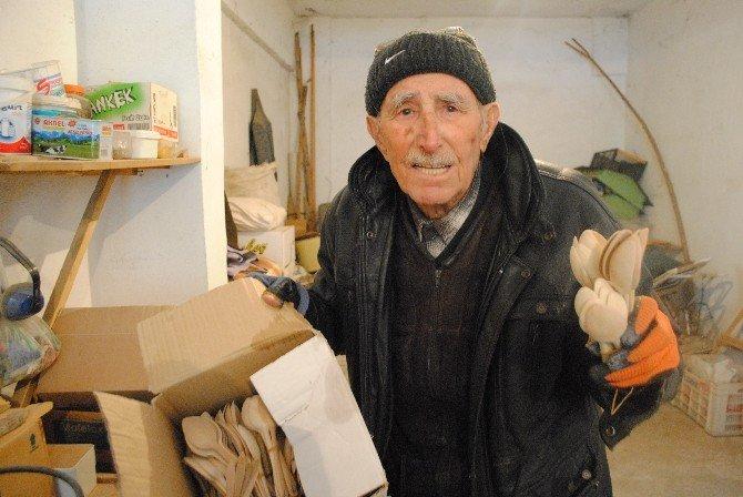 99 Yaşındaki Mehmet Dede Soğuğa Meydan Okuyor
