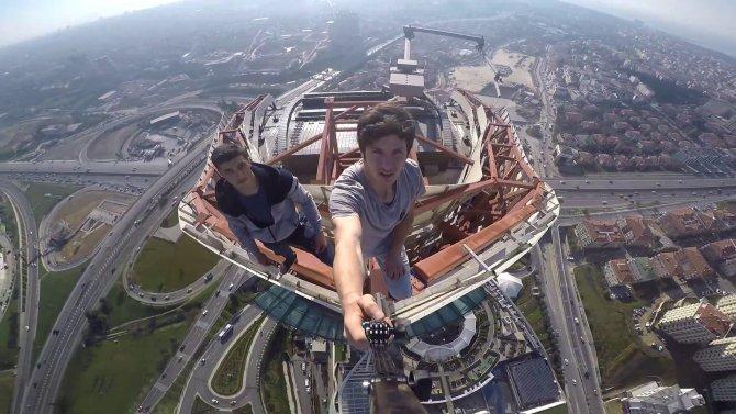 3. köprü kesmedi, bu kez de AVM kulesinde selfi keyfi