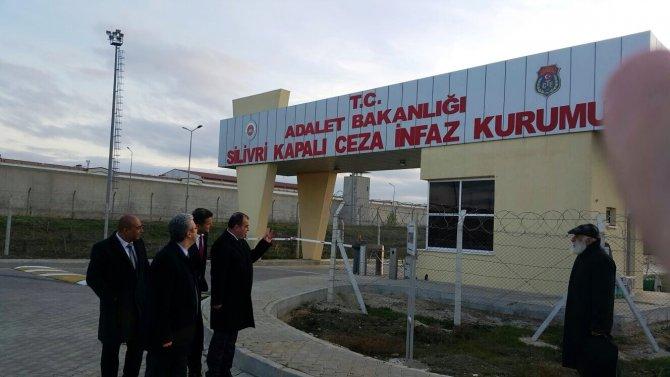Baro başkanları tutuklu gazetecileri Silivri'de ziyaret etti