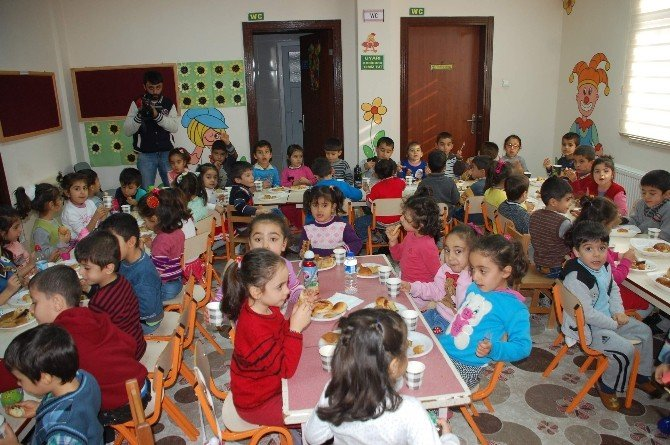 Anaokulu'nda Yerli Malı Haftası Kutlaması