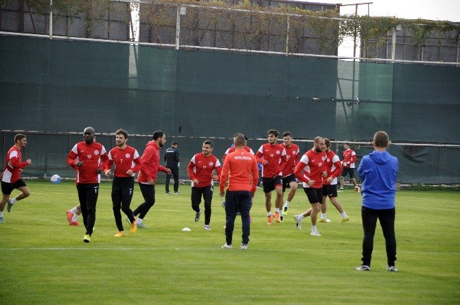 Antalyaspor'da Trabzon Mesaisi