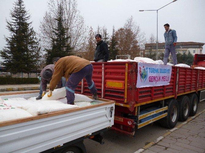 Turhal'dan Bayırbucak Türkmenlerine Yardım