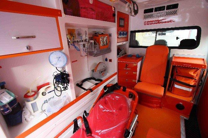 Bayraklı'da Ambulanslar Modernize Edildi