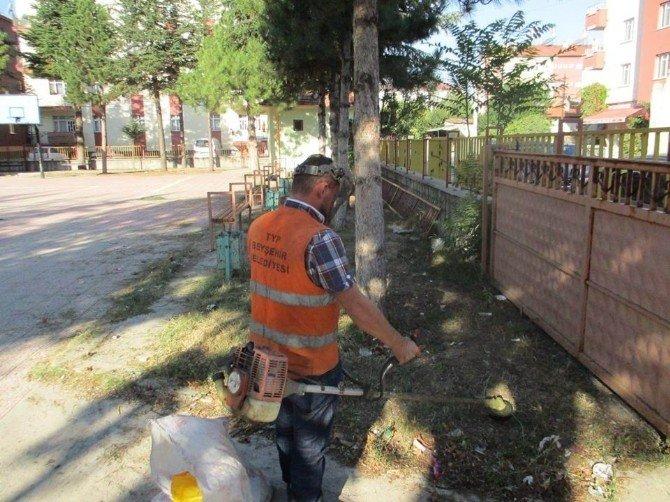 Beyşehir Belediyesi Okul Bahçelerini Düzenliyor