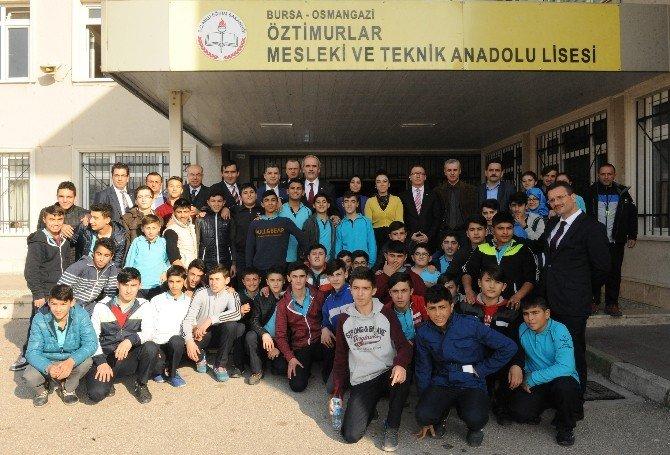 Büyükşehir'den Spora Ve Eğitime Destek