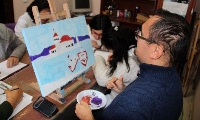 Ç'engel Atölye İş Merkezi'nde resim eğitimi