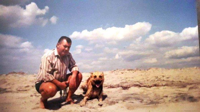 Cep Telefonuyla Defnedilen Adam Balıkesir'de Günün Konusu Oldu