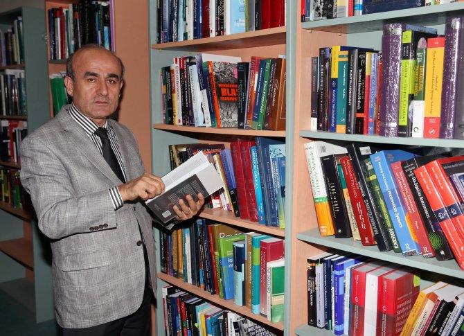 Çukurova Üniversitesi Kütüphanesi'ne bin 14 yeni kitap ekledi