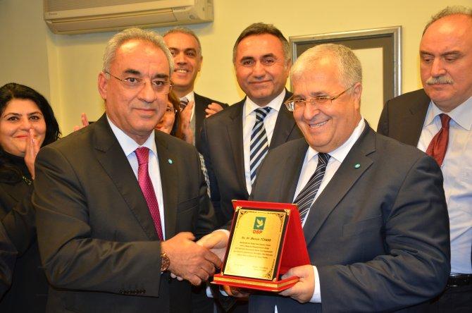 DSP'nin yeni Genel Başkanı Aksakal, görevi devraldı