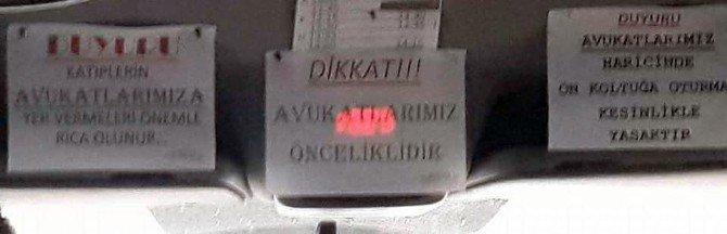 Denizli Barosu'nun Servisi Minibüsünde Tepki Çeken Yazı