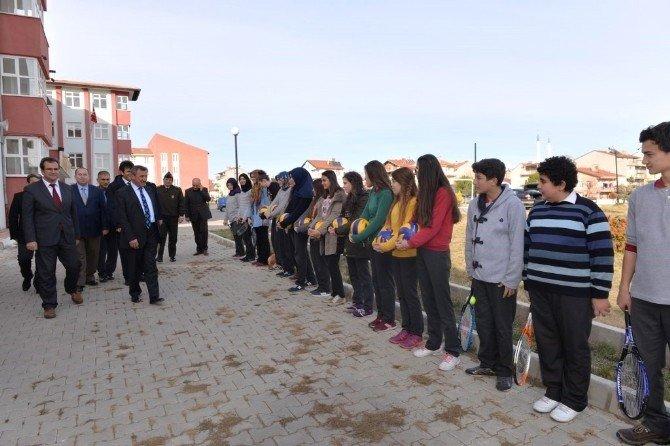 Evliya Çelebi Anadolu Öğretmen Lisesi Spor Salonu Hizmete Sunuldu