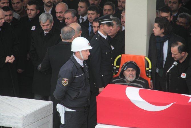 80 yaşındaki Kabukçu, şehit oğlunun cenaze namazını sedyede kıldı