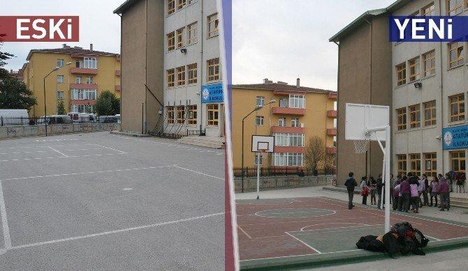 Bozüyük'te 2 Okula Daha Yeni Spor Alanları