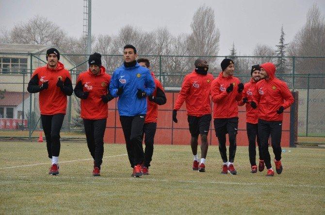 Eskişehirspor'da TEK Hedef İstanbul'dan Puanla Dönmek