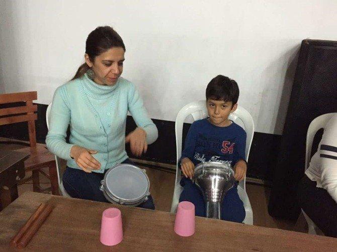 Foça Belediyesi'nde Anne-çocuk Yürek Yüreğe Ritim