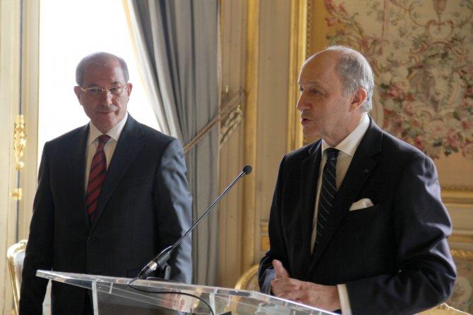 Fransa, Türk diplomat Üzümcü'ye Onur Nişanı verdi