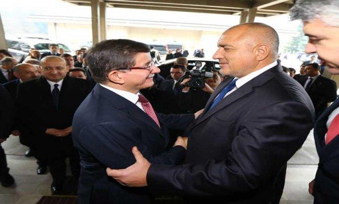 Davutoğlu, Bulgar mevkidaşı Borisov'la görüştü
