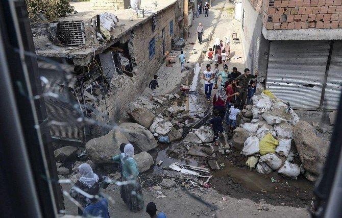 Güvenlik Birimleriş Cizre Ve Silopi'deki Bölücü Örgütün Faaliyetleri İle İlgili Fotoğrafları Paylaştı
