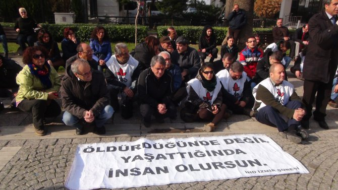 İHD sokağa çıkma yasaklarını protesto etti