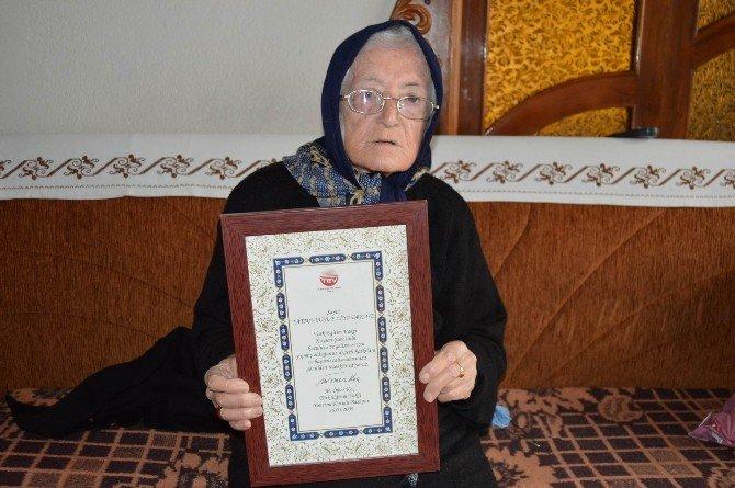 Türk Eğitim Vakfı'na Ev Bağışlayan 80 Yaşındaki Fatma Erköse: